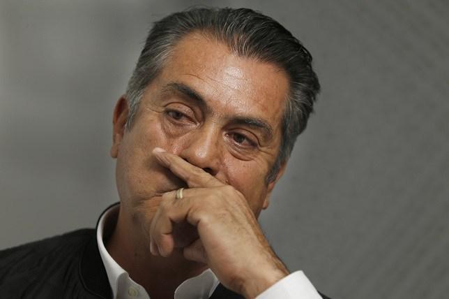 """Piden ONGs a Contraloría investigar sueldo de suegra de """"El Bronco"""""""