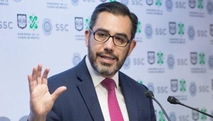 Deja Orta la policía capitalina; lo sustituye Omar García