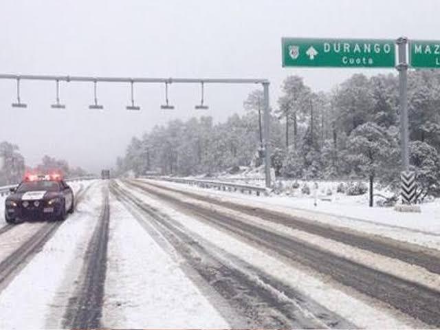 Cae nevada en Durango debido al frente frio 12